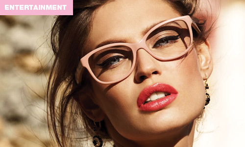 Here's How to Do Your Makeup If You Wear Glasses